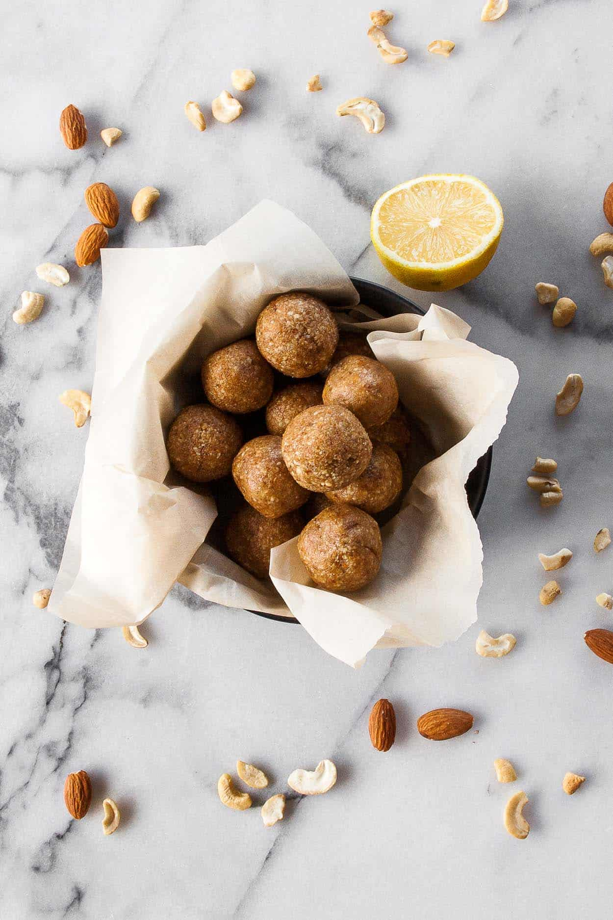Homemade Lemon Larabar Bites | energy bites, energy balls, copycat, gluten free, paleo, recipe, easy, food processor, Whole30 | hungrybynature.com